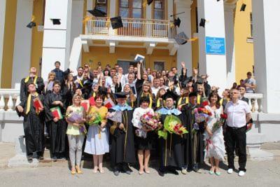В Себряковском филиале прошла торжественная церемония вручения дипломов выпускникам высшего образования