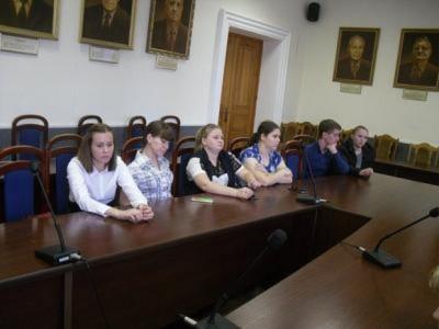 В Волгограде правнуки Победы дискутировали о войне