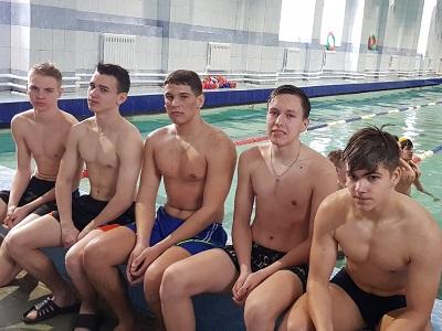 Лично-командное первенство по плаванию среди юношей средних и высших учебных заведений