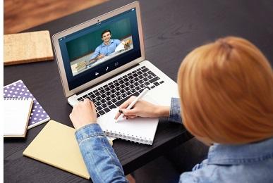 Преподаватели высказали свое мнение о вынужденном переходе образовательного процесса в онлайн